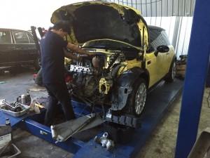 ซ่อมเครื่องยนต์ มินิ บีเอ็ม