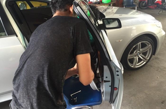 ซ่อมกระจก BMW
