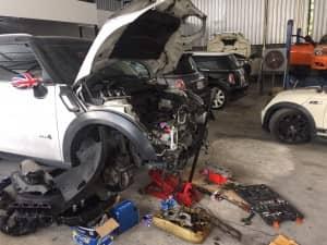 mini-cooper-r60-engine-oil-leakage