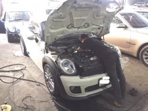 อู่ J Speed Service ซ่อมมินิ mini cooper ทุกรุ่น คันนี้ Mini R58 เช็คความร้อน (ด้านหน้า)